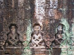 Inside the temples at Angkor Wat in Siem Reap #siemreap #cambodia #angkorwat #angkorwattemple