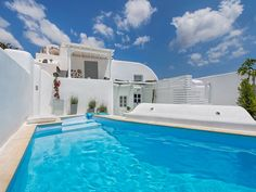 Entire home/apt in Emporio, Greece. Emporio Cycladic Traditional Style The villa is in the traditional quiet village of Emporio at the south part of the beautiful Santorini and it is. Small Staircase, Santorini Island, Santorini Hotels, London Stock Exchange, Private Pool, Terrace, Beautiful Homes, Swimming Pools