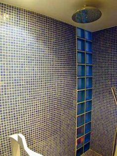 douche l 39 italienne mur ardoise et briques de verre piece salle de bain pinterest. Black Bedroom Furniture Sets. Home Design Ideas