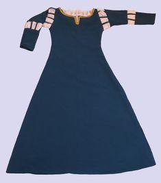 Vestido princesa Merida do filme Valente, com detalhes em passamanaria dourada. Tamanhos do 4 anos a 12 anos R$ 133,00