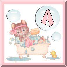 Alfabeto de gatitos en la bañera.