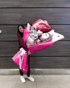Balloon Crafts, Balloon Gift, Balloon Decorations, Balloon Shop, Valentines Balloons, Love Valentines, Birthday Balloons, Gift Bouquet, Candy Bouquet