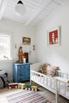 Wonderful vintage inspired child's room #decor #home #interior