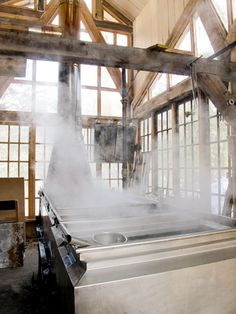 Visit a sugar shack! Making maple syrup is a long and labour intensive affair! / Well worth the trouble! Cabin Design, Cottage Design, Sugar Bush, Farm Plans, Organic Maple Syrup, Sugaring, Farm Life, Quebec, Architecture