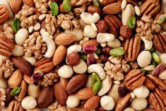 Alimenti Ricchi di Selenio:  1. Noci del Brasile e altra frutta secca; 2. Pane integrale; 3. Cereali integrali; 4. Semi oleosi; 5. Funghi; 6. Frutti di mare; 7. Carne; ... >>> http://www.piuvivi.com/alimentazione/alimenti-dieta-cibi-ricchi-selenio.html <<<