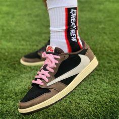 Travis Scott x Air Jordan 1 Low CQ4277-001 Jordan Nike, Jordan 1 Low, Air Jordan Shoes, Nike Fashion, Sneakers Fashion, Fashion Shoes, Hype Clothing, Newest Jordans, Travis Scott