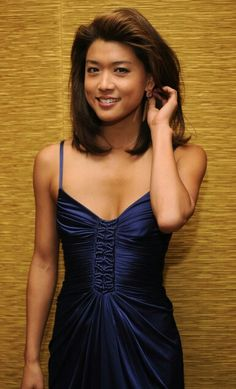 The only reason to watch the wretched new H show.Grace Park (Hawaii Five O) Born: March 1974 (age Los Angeles, California, U. Nationality Canadian and American Ethnicity Korean Citizenship Dual American and Canadian Grace Park, Beautiful Asian Women, Beautiful Celebrities, Hawaii Five O, Canadian Actresses, Celebrity Photos, Asian Woman, Asian Beauty, Movie Stars