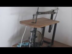 Making a Homemade Scroll Saw table (Mini Scie circulaire à table Électrique) - YouTube