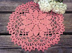 Doilies Crafts, Lace Doilies, Crochet Doilies, Crochet Placemats, Basic Crochet Stitches, Crochet Basics, Half Double Crochet, Single Crochet, Crochet Hooks
