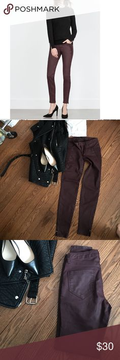 Zara 1975 Denim Wine Red Coated Jeans Size 2 jeans with ankle zips and elongating ribbed design on front that is slimming to the leg line. Love this coating on the jean because it is very subtle and not shiny at all. Zara Jeans Skinny