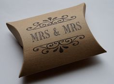 Mrs & Mrs Civil Partnership/ Lesbian Wedding Favors Pillow Boxes x 10 Brown Kraft/White Kraft