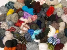 Tekleme Karışımlar Aranjmanlar  Leftover Yarns Please note that this mixed lot includes unlabeled leftover yarns. There is no standard for fiber content and weight. Skein weight given for this lot is average. Brand Ice Yarns fnt2-54639
