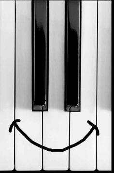 Smile! #piano #key #art #face