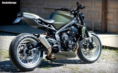 Moto Triumph Hellas: Triumph Street Triple 675 Custom by Ramarro