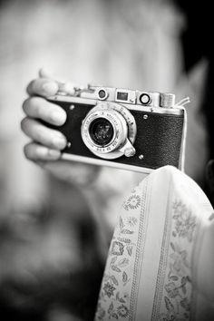 Vintage camera photography retro tools 61 ideas for 2019 Antique Cameras, Old Cameras, Vintage Cameras, Photography Tools, Photography Camera, Vintage Photography, School Photography, Professional Photography, Cute Camera
