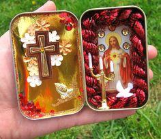 Pocket shrine from Altoid tin. I need to make something like this.