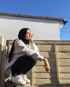 Modest Fashion Hijab, Modern Hijab Fashion, Street Hijab Fashion, Casual Hijab Outfit, Hijab Fashion Inspiration, Muslim Fashion, Abaya Fashion, Mode Outfits, Fashion Outfits