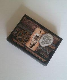 ¡Buenas tardes! ¿Sabías que puedes hacer un miniálbum de fotos con una caja de cerillas? ¡En nuestro blog te enseñamos! => #Steampunk #Manualidades #Artesanía #Photoalbum #ÁlbumDeRecortes #Scrapbooking #Scrapbook #Ideas #Regalos #Gifts #Handcrafted #Handcraft #Handmade