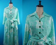 Shirt collar kimono dress - used kimono of vintage - flowers - size 8 by PriscillaTokyo on Etsy
