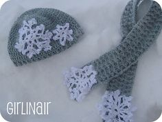 """Snowflake crocheted hat & scarf - free pattern  This hat is for sizes:   Newborn: 16"""" & Toddler: 18"""""""