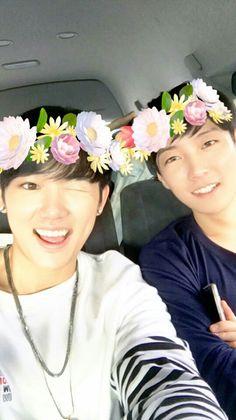 Benji & Minpyo filters make them much more beautiful Yesung, Kpop, Tvxq, Big Boys, Chanyeol, Pretty, Filters, Bae, Korean
