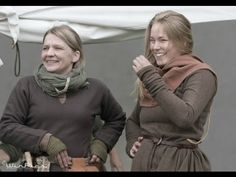 How to sew the long sleeved viking dress (still for dummies and blondes) - YouTube
