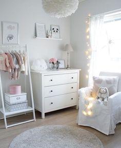 Décoration de bébé - Haus und heim - HoMe Baby Girl Nursery Decor, Girl Decor, Baby Bedroom, Baby Room Decor, Nursery Room, Girls Bedroom, Kids Wall Decor, Nursery Ideas, Baby Dekor
