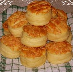 Serbian Recipes, Hungarian Recipes, Savory Pastry, Snacks, Food 52, Scones, Cookie Recipes, Bakery, Muffin