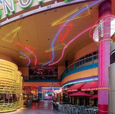 Neon dead mall in las vegas old aesthetic dead malls, abando Abandoned Malls, Abandoned Places, Arcade, Fran Fine, Dead Malls, Las Vegas, Neon Aesthetic, Shopping Malls, Yamagata