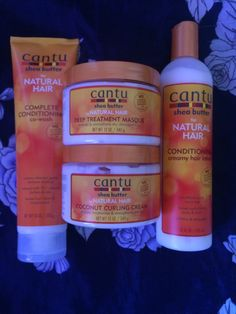 Coucou les filles, comme je vous l'avez dit dans un précédent article, j'ai testé des produits de la gamme Cantu Shea Butter. Il s'agit donc du co wash, du masque, de la crème pou…