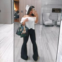 Bianca Anchieta aposto no look preto e branco (Fonte / Foto / Reprodução do Instagram) http://instagram.com/p/BPVnzi6hOaX/