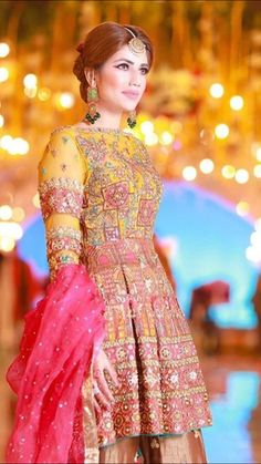 Khadija Batool Mehndi Wear Collection - Pakistani Wedding Dresses in Dubai Bridal Mehndi Dresses, Muslim Wedding Dresses, Bridal Dress Design, Wedding Dresses For Girls, Party Wear Dresses, Pakistani Party Wear, Pakistani Wedding Outfits, Pakistani Dress Design, Pakistani Dresses