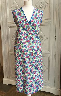 WWII/1940s/50s Vintage Wrap Around Apron/Pinny Floral Print Size 10-12