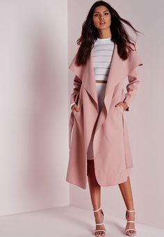 We're totally chasing waterfall this season and we got it bad for this totally chic mauve coat here at Missguided. Flaunt what you got in this belted serious soft feel beaut with oversize waterfall lapel finish to make sure you step up yo...