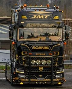 They love their Scanias overseas 👍🏻 🤘🏻👀🤘🏻 . Jacked Up Trucks, Volvo Trucks, Big Rig Trucks, Show Trucks, Used Trucks, Customised Trucks, Scania V8, 1970 Ford Mustang, Car Camper