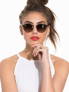 Women Sunglasses New Style Glasses New Sunglasses 2019 Fluorescent Lig – ooshoop Ray Ban Eyewear, Ray Ban Sunglasses, Round Sunglasses, Sunglasses Women, New Fashion, Womens Fashion, Womens Glasses, Trends, Amazing Women