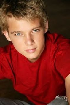 Max Thieriot | I used to have the FATEST crush on him when he was in Catch That Kid and damn HAS HE GROWN!