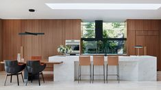Residential Design shortlist for the 2019 Australian Interior Design Awards. Australian Interior Design, Interior Design Awards, Australian Homes, Interior Colors, Interior Plants, Melbourne House, The Design Files, Cuisines Design, Mid Century House