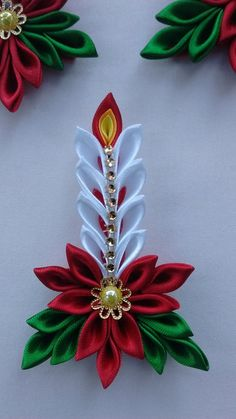 Christmas selection: gift ideas for her - HomeCNB Quilling Christmas, Christmas Favors, Christmas Ornament Crafts, Christmas Projects, Holiday Crafts, Christmas Crafts, Christmas Decorations, Etsy Christmas, Cloth Flowers