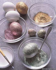 DIY - glitter eggs - via Martha Stewart. Instead of dye easter eggs we will just glitter them Easter Crafts, Holiday Crafts, Holiday Fun, Fun Crafts, Crafts For Kids, Easter Ideas, Easter Decor, Easter Centerpiece, Holiday Ideas