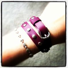 Skinny wrap leather bracelet in Plum