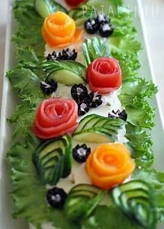 Pata Bird: Vegetarian sandwich cake for birthday parties Salad Design, Food Design, Kreative Snacks, Salad Cake, Vegetarian Recipes, Cooking Recipes, Cooking Tips, Fruit And Vegetable Carving, Food Carving