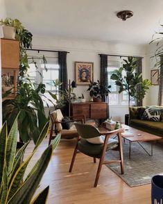 Home Living Room, Living Room Designs, Living Room Decor Cozy, Decor Interior Design, Interior Decorating, Interior Plants, Aesthetic Room Decor, My New Room, Cozy House