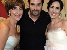 Mãe da noiva, Viviane da Silva Lalli, maquiador Marco Diniz e a noiva Paula Senna Lalli https://donaelegancia.wordpress.com/2016/05/11/sobrinha-de-ayrton-senna-se-casa-em-castelo-na-franca/