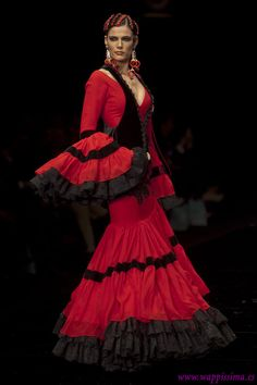 Colección 'Despertando los sentidos' por  Aurora Gaviño en  Simof 2012
