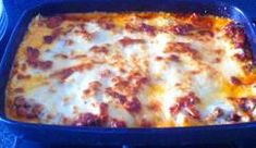 Omdat ik deze lasagna altijd moet maken als er familie of vrienden komen eten, deel ik 'm nu graag met jullie. Mijn lasagna 'di casa mia'. Je wilt echt nooit meer iets uit een pakje of zakje!