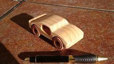 Coche GT de madera artesanal