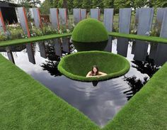 If you've been considering adding a water feature to your garden, but aren't sure where to start, the DIY backyard pond design ideas in this post are creative examples of what you can achieve. Garden Pond Design, Garden Pool, Water Garden, Garden Art, Sunken Garden, Diy Garden, Backyard Water Feature, Ponds Backyard, Backyard Landscaping