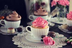 eat pray bake: Tea and Cupcakes