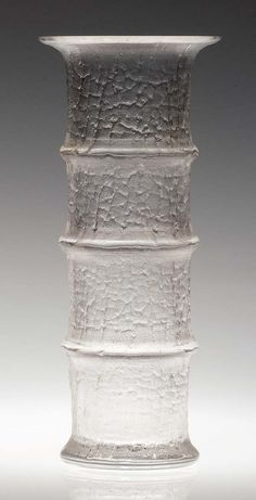 TIMO SARPANEVA - Glass vase 'Bamboo' from the Finlandia series, designed produced by Iittala, Finland. Retro Design, Design Art, Vintage Vases, Glass Design, Finland, Mid-century Modern, Glass Vase, Bamboo, Art Deco